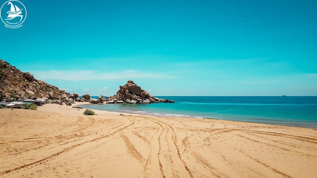 Biển Bãi Tràng tại Mũi Dinh