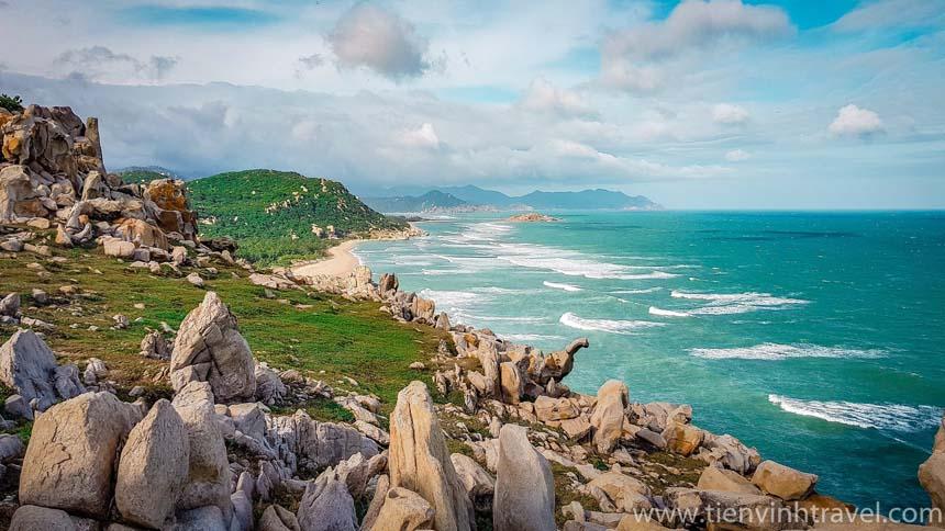 Bãi đá Ninh Thuận 2