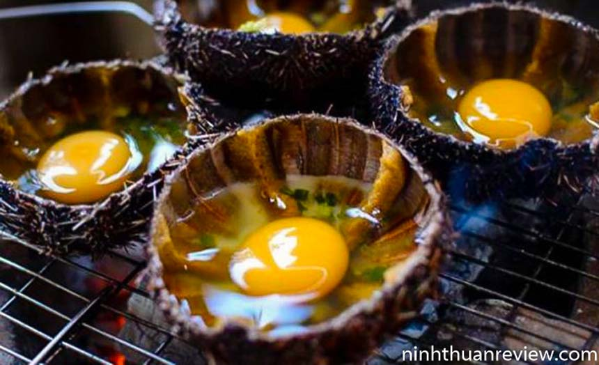 Nhum nướng trứng