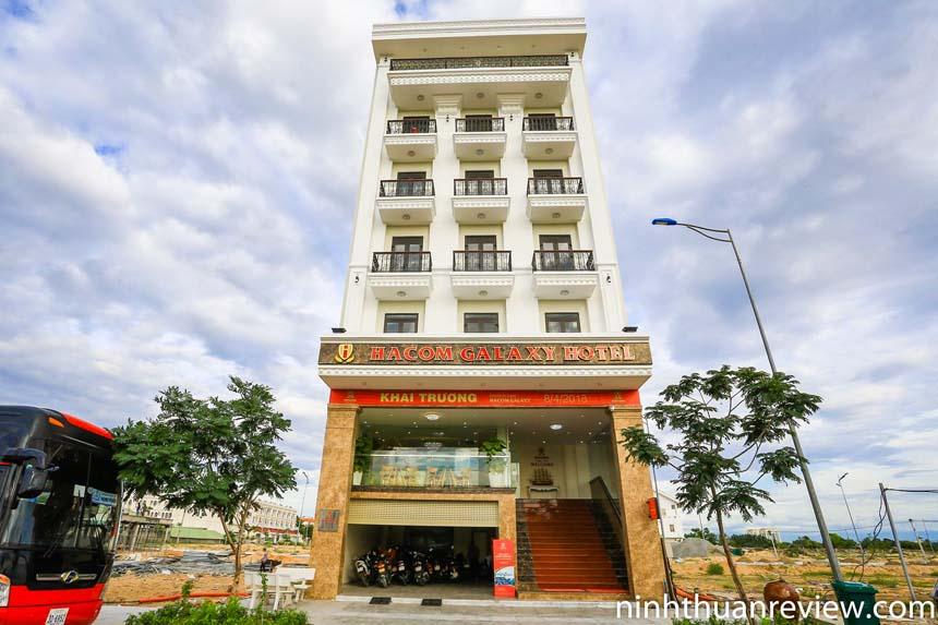 Khách sạn Hacom Galaxy gần biển Ninh Chữ
