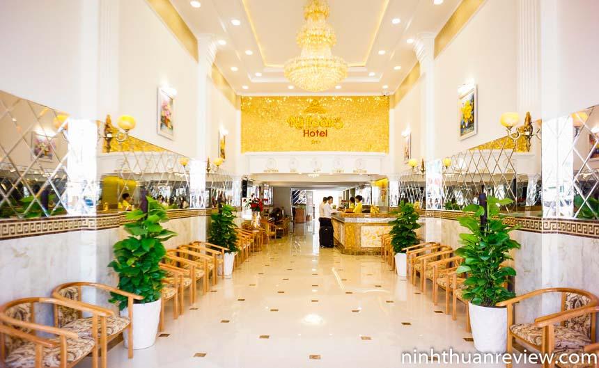 Khách sạn Nữ Hoàng Phan Rang